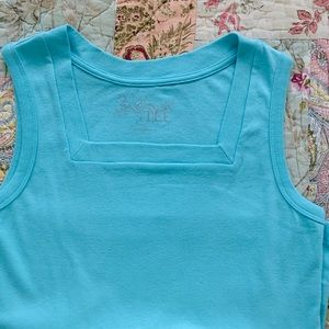 NEW Cute sleeveless tank T. Square neck. PS